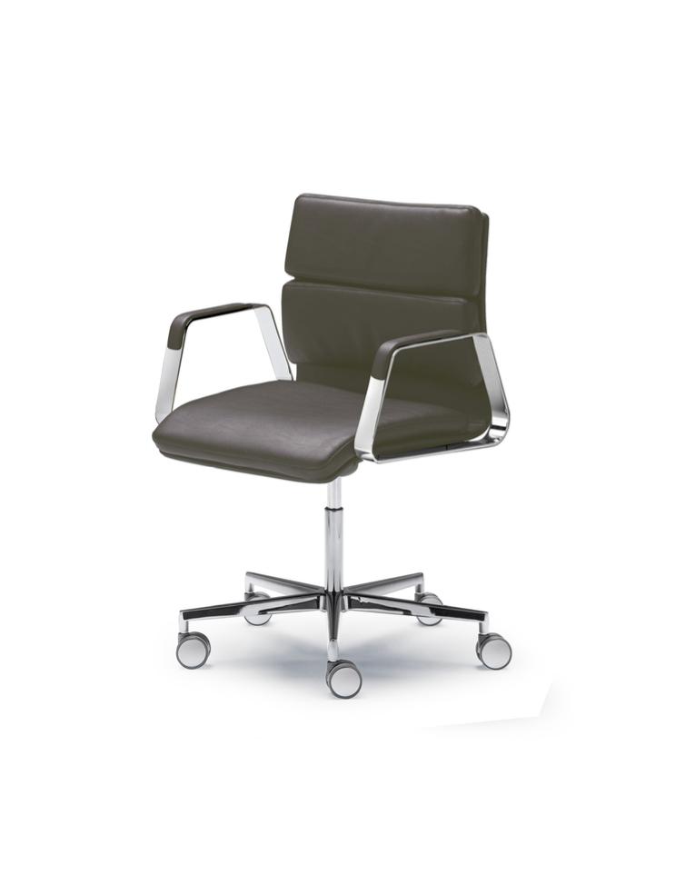 Onna.L Confort Executive Chair by Francesc Rifé for JMM